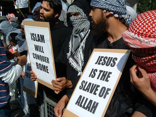 the views of christians and jews by muslim people This is what christians, jews and muslims say about the afterlife in islam, people believe that they stay in their graves until allah decides it is their day of.